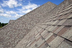 Homes roofed with asphalt shingles in Smithtown